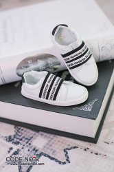 CBS000039 White Casual Shoes (Black Strap)