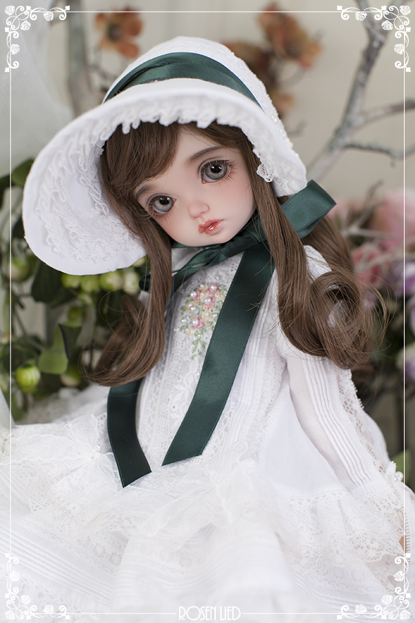 Holiday's Child Boutique Limited : Miu - White Daisy